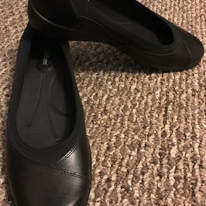 Cobbie Cuddlers casual/dress shoes